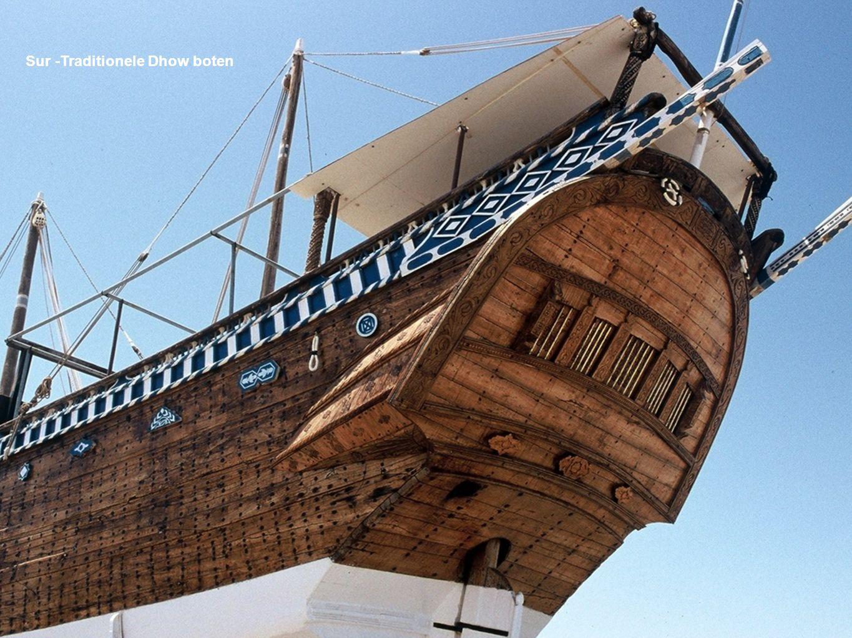 Sur -Traditionele Dhow boten