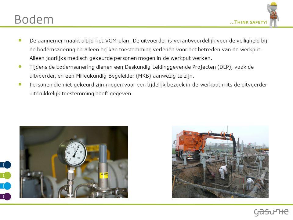 De aannemer maakt altijd het VGM-plan. De uitvoerder is verantwoordelijk voor de veiligheid bij de bodemsanering en alleen hij kan toestemming verlene