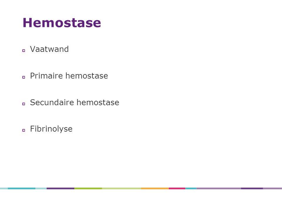 DDAVP/desmopressine (Minirin®/Octostim®) uitstoot vWF uit endotheel herhalen na 18-24 uur uitdoving effect na 2-3 giften CAVE: palpitaties, hypotensie, vochtretentie, hyponatriëmie Tranexaminezuur (Exacyl®) anti-fibrinolyticum aanvullende behandeling bij slijmvliesbloedingen niet toepassen bij bloedingen in urinewegen CAVE: nierinsufficiëntie