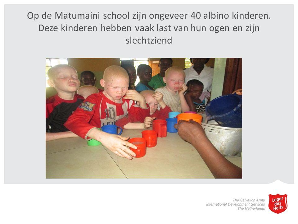 Op de Matumaini school zijn ongeveer 40 albino kinderen.