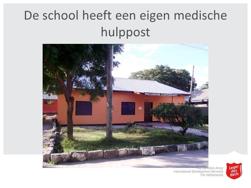 De school heeft een eigen medische hulppost