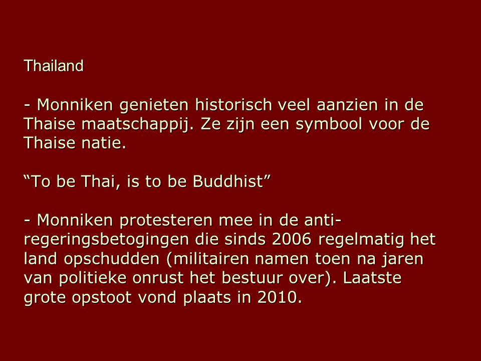 Thailand - Monniken genieten historisch veel aanzien in de Thaise maatschappij.