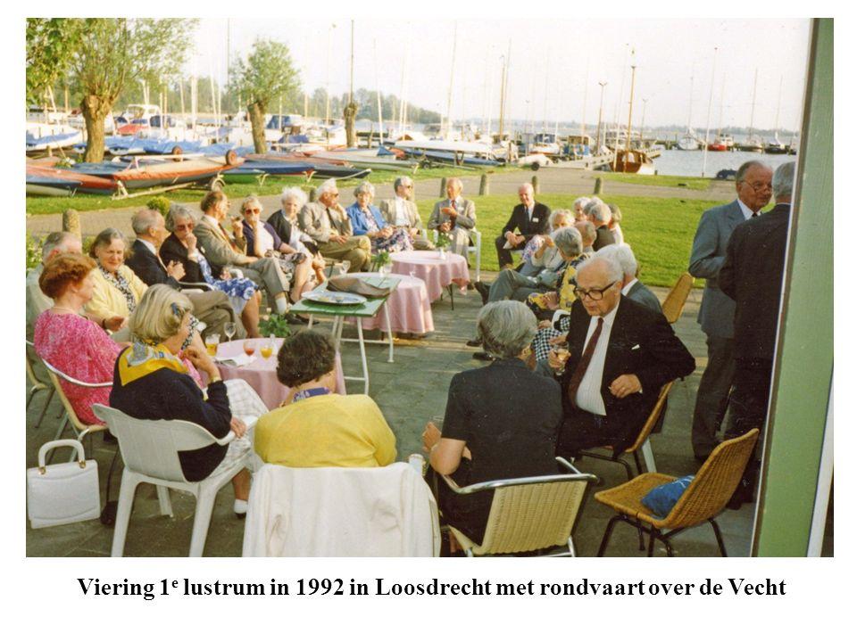 Viering 1 e lustrum in 1992 in Loosdrecht met rondvaart over de Vecht
