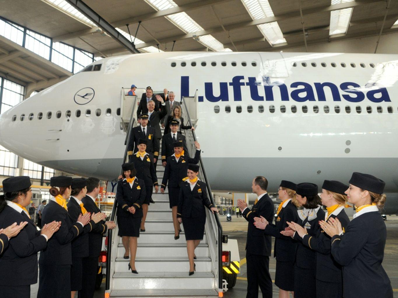 Meer dan 20.000 vluchten / week naar 246 bestemmingen in 103 landen Meer dan 650 vliegtuigen Voornamelijk Boeing en Airbus Lufthansa Group - the leading airline group