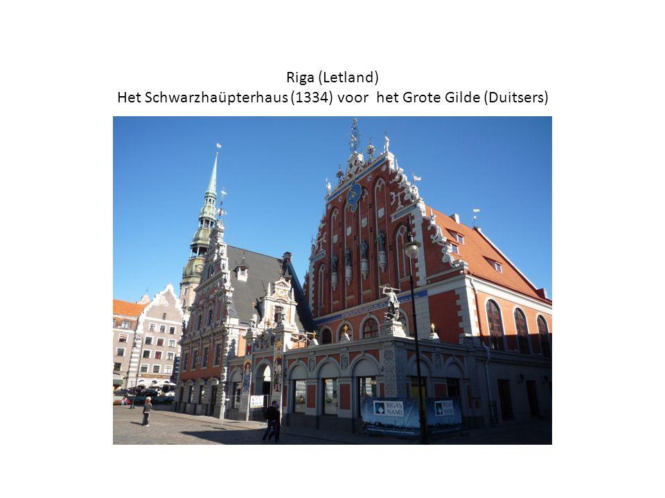 Riga (Letland) Het Schwarzhaüpterhaus (1334) voor het Grote Gilde (Duitsers)