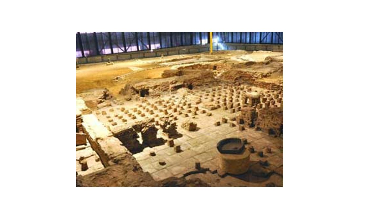 Waterhuishouding van de Romeinen Romeinen maakte gebruik van: Riolering (cloaca maxima) Aquaducten Badhuizen Openbare latrines (=toilet) Thermae