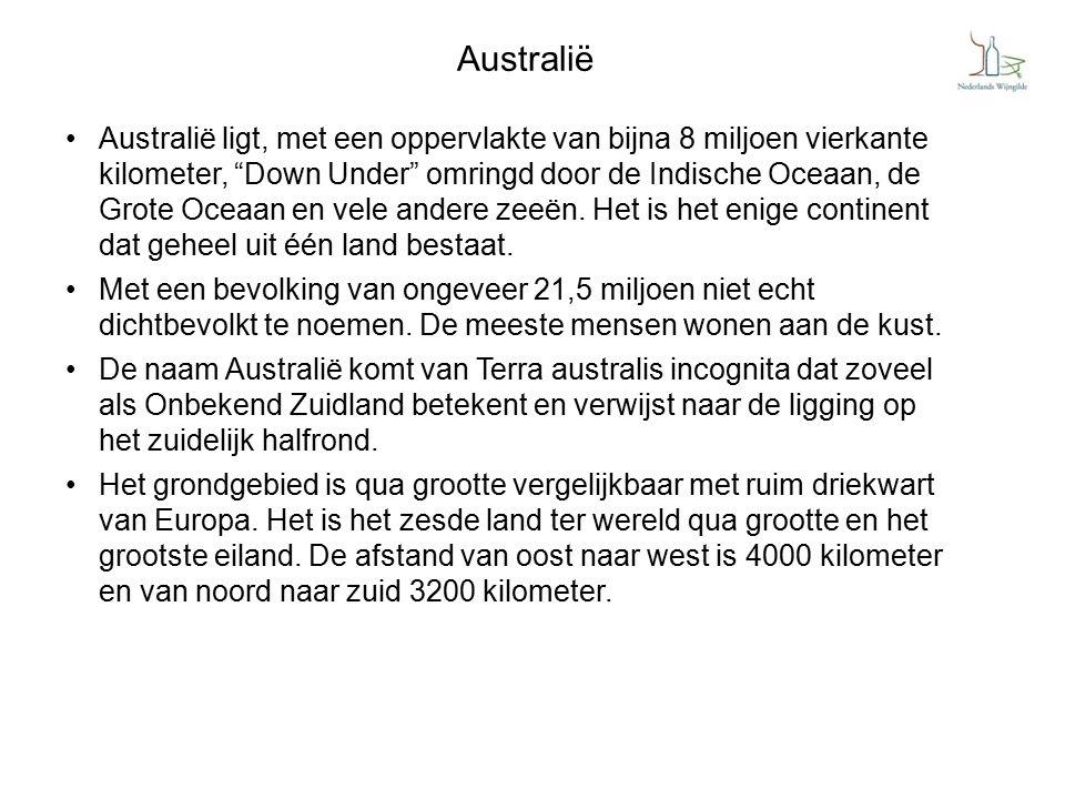 """Australië Australië ligt, met een oppervlakte van bijna 8 miljoen vierkante kilometer, """"Down Under"""" omringd door de Indische Oceaan, de Grote Oceaan e"""
