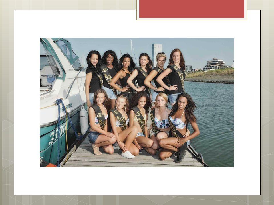 Bikinishoot op een luxejacht voor onze bikini- en lingeriesponsor: Varuna