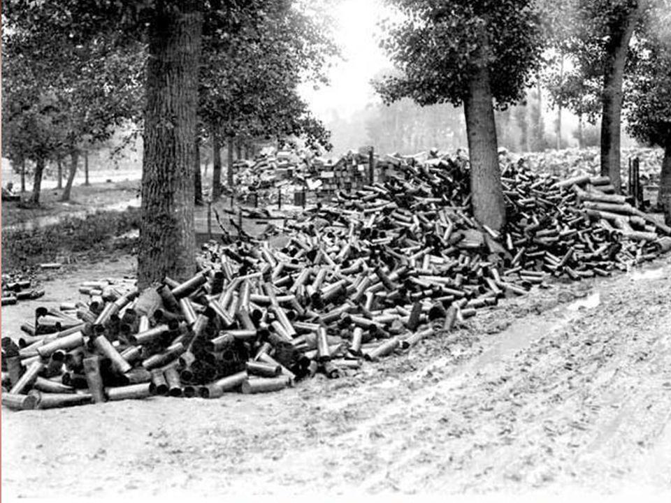 b) De fabrieken die de wapens produceerden zaten met een groot overschot aan wapens. Deze vormden ze om tot vervangende lichaamsdelen.