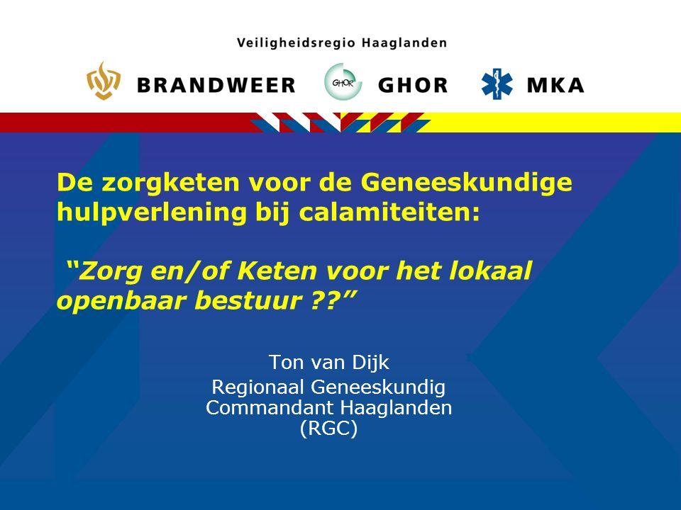 12 Regionale situatie  1 miljoen inwoners in 9 gemeenten  1 GGD  6 (??) ziekenhuizen  1 traumacentrum (LUMC, samen met MCH-Westeinde en HAGA-Leyenburg)  3200 erkende ziekenhuisbedden  350 medisch specialisten  450 huisartsen  1 RAV Coöperatie (3 ambulancediensten en de MKA)  36 ambulances en 11 zorgambulances (traumaheli)  1 geneeskundige combinatie  1 calamiteitenhospitaal in Utrecht met 297 bedden