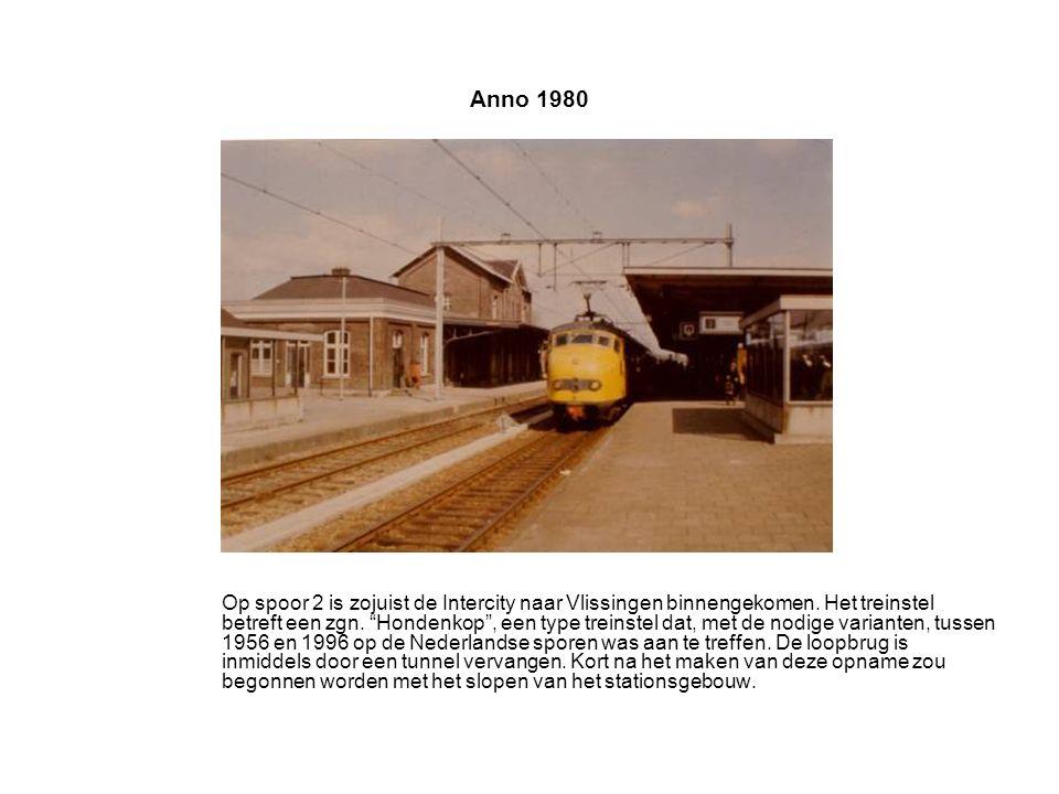 Anno 1980 Op spoor 2 is zojuist de Intercity naar Vlissingen binnengekomen.