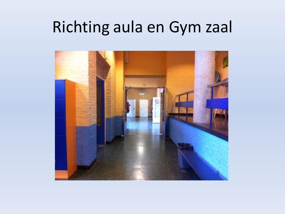 Richting aula en Gym zaal