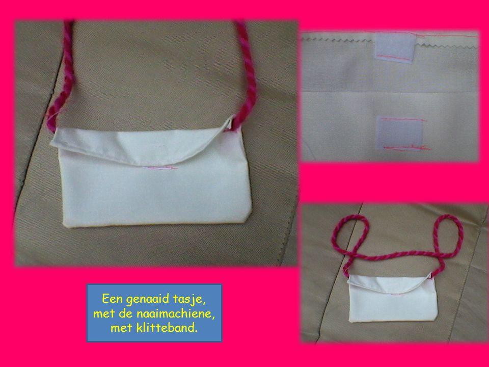 Een genaaid tasje, met de naaimachiene, met klitteband.