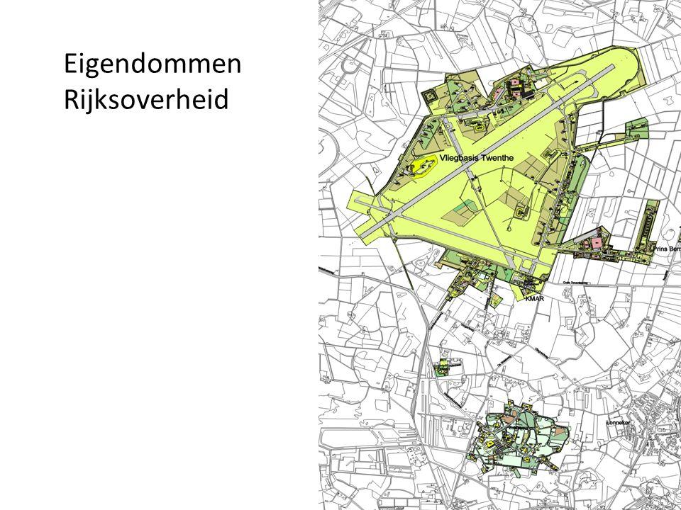 Vliegveld Twente*414 ha Zuidkamp(geheel)47,3 ha Prins Bernhardpark10,4 ha Kamp Overmaat 1,7 ha Totaal areaal ca475 ha Ca 70.000 m2 BVO vastgoed vliegveld, ca 35.000 m2 BVO Zuidkamp Totaal ruim 70 ha.