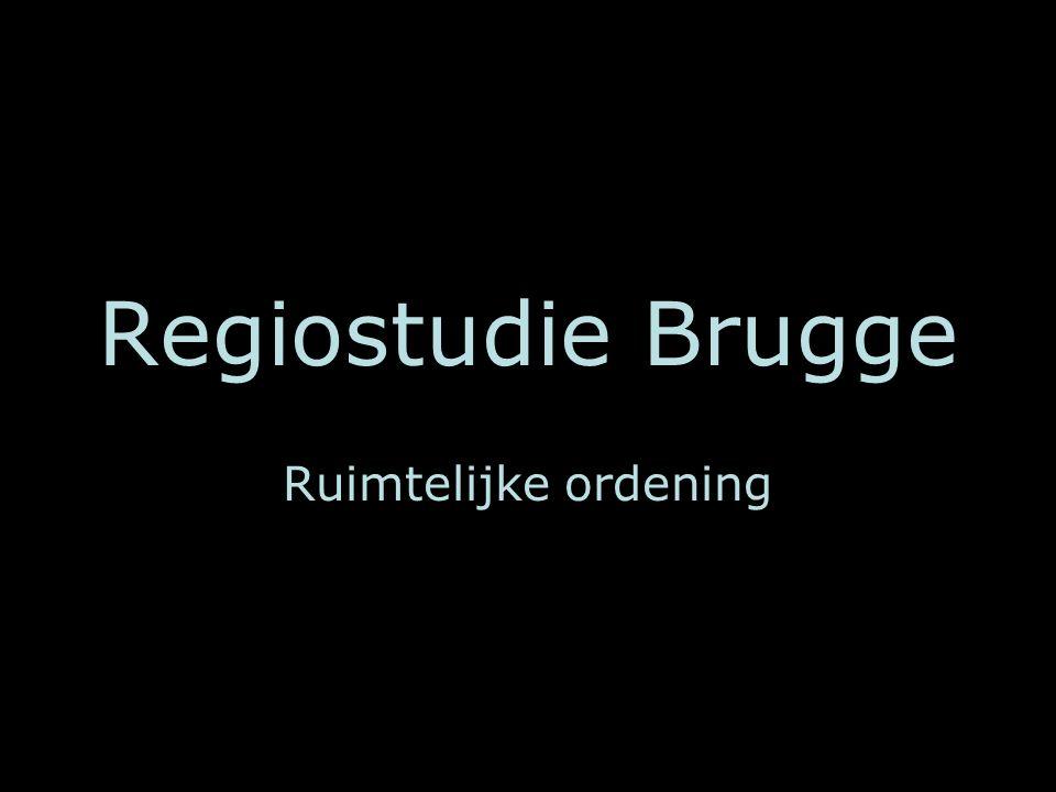 Inhoudsopgave Analyse landschap regio Brugge Evolutie in het landschap Analyse van het huidige landschap Huidig ruimtelijk beleid in en rond Brugge Waarden Inplanting woonwijk Hermitage Snellegem Meetkerke Conclusie Inplanting industrieterrein Elfhoek Blauwe Toren Stalhille Waggelwater Conclusie