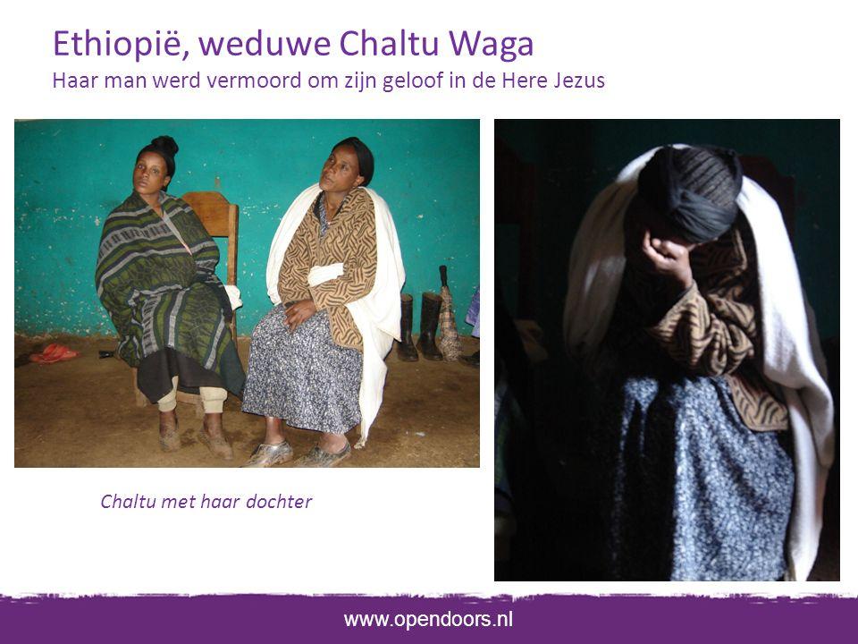 Ethiopië, weduwe Chaltu Waga Haar man werd vermoord om zijn geloof in de Here Jezus Chaltu met haar dochter