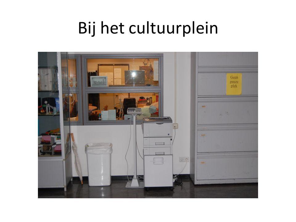 Bij het cultuurplein