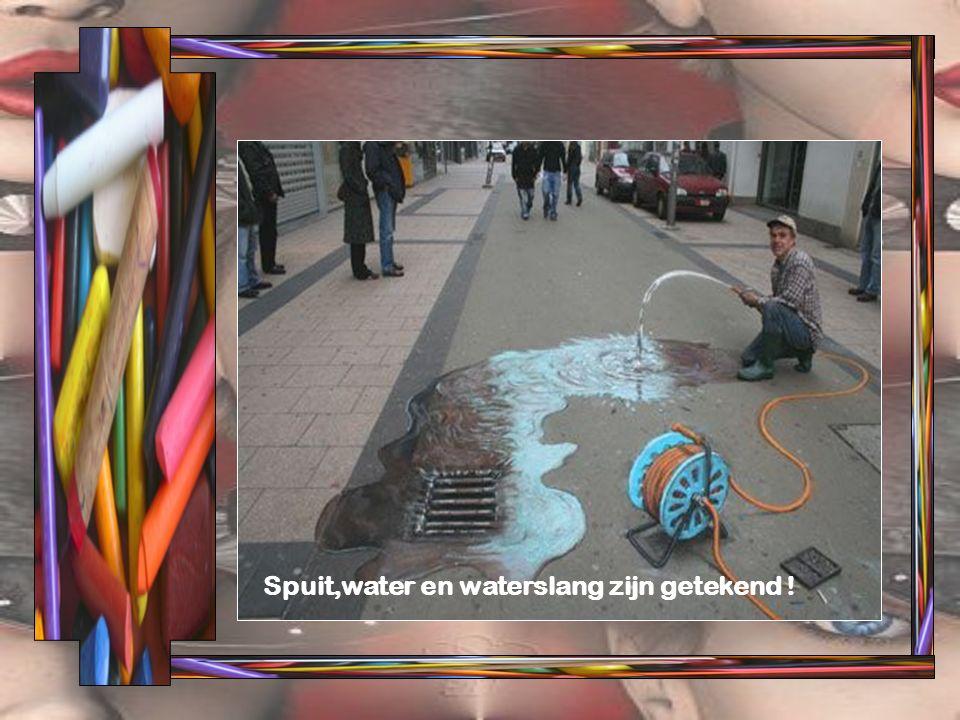 Spuit,water en waterslang zijn getekend !