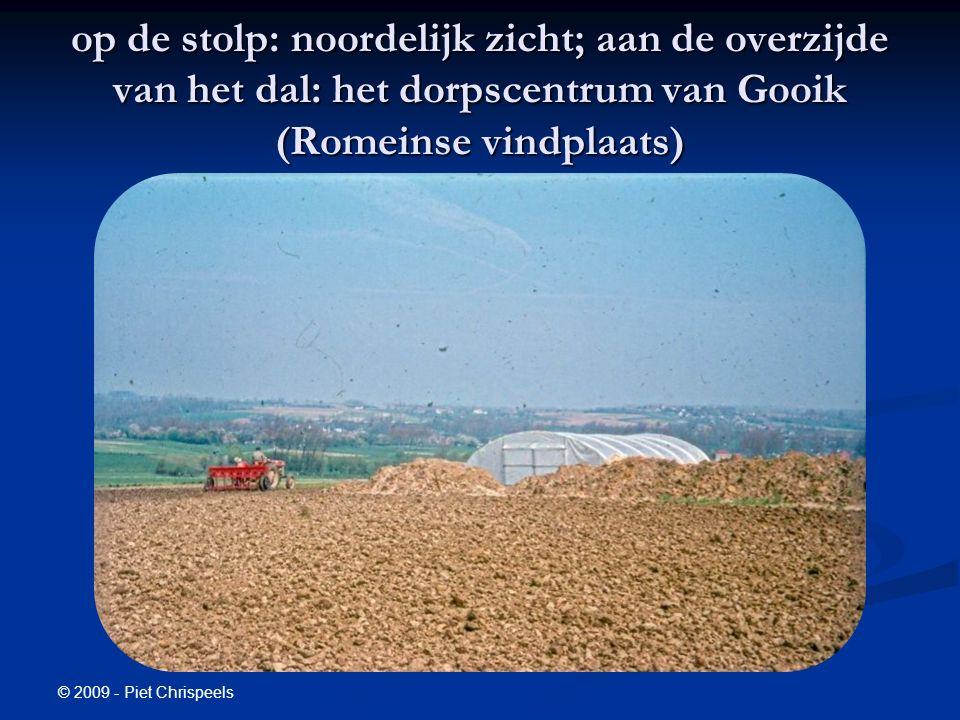 © 2009 - Piet Chrispeels op de stolp: noordelijk zicht; aan de overzijde van het dal: het dorpscentrum van Gooik (Romeinse vindplaats)