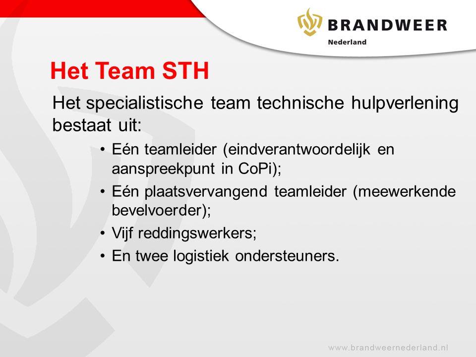 Het Team STH Het specialistische team technische hulpverlening bestaat uit: Eén teamleider (eindverantwoordelijk en aanspreekpunt in CoPi); Eén plaatsvervangend teamleider (meewerkende bevelvoerder); Vijf reddingswerkers; En twee logistiek ondersteuners.
