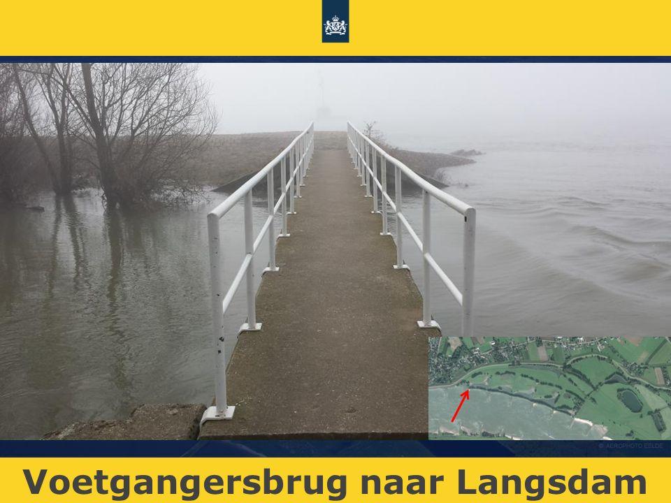 Voetgangersbrug naar Langsdam