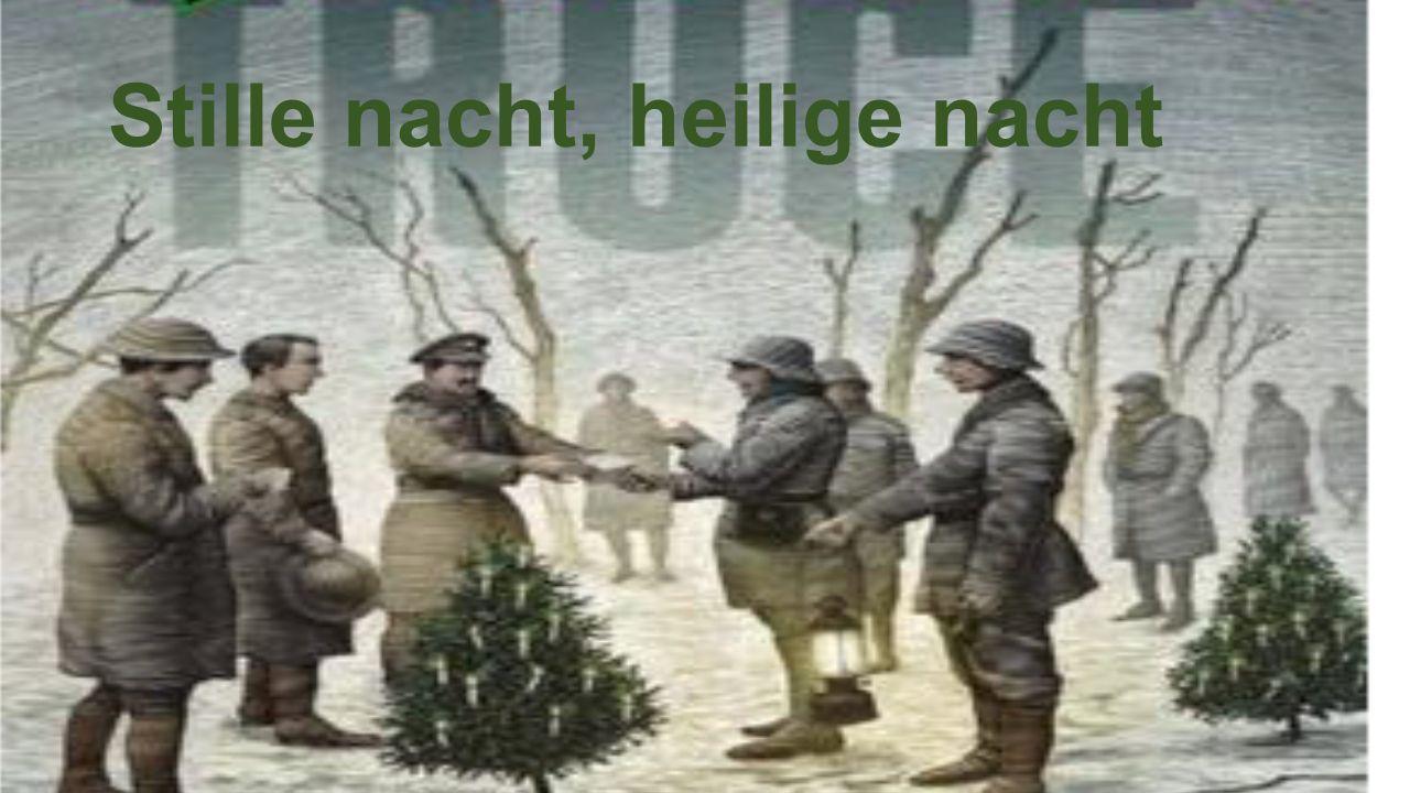 Op kerstavond hadden de Duitsers een kerstboom in hun loopgraven gehangen en overal langs hun borstweringen hingen Chinese lantarens.