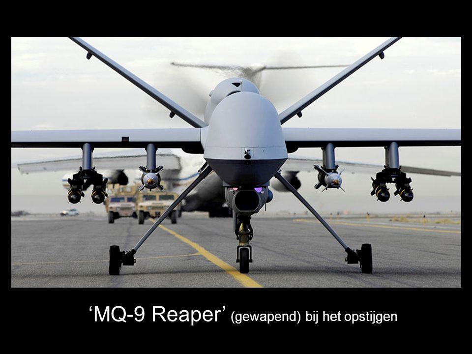 'Boeing X-45' Gevechtsdrones Spanwijdte 10,3 m Hoogte 2,14 m Lengte 8,08 m Max.