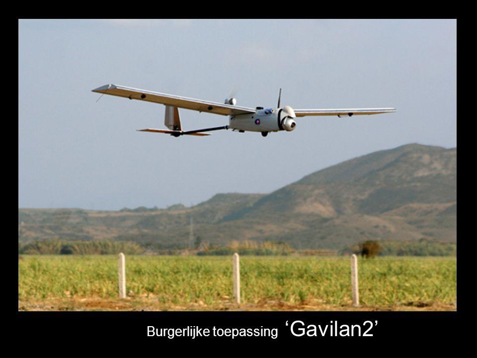 De drones zijn uitgerust met motoren, propellers of rotoren zoals bij helikopters...