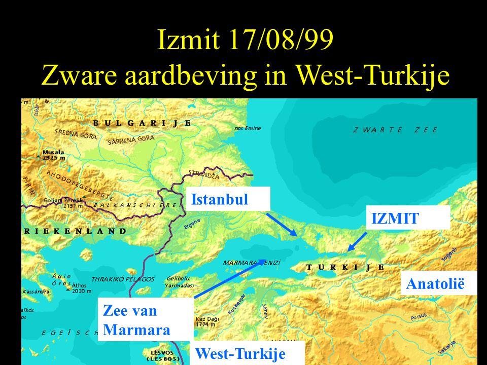 Izmit 17/08/99 Zware aardbeving in West-Turkije West-Turkije IZMIT Istanbul Anatolië Zee van Marmara