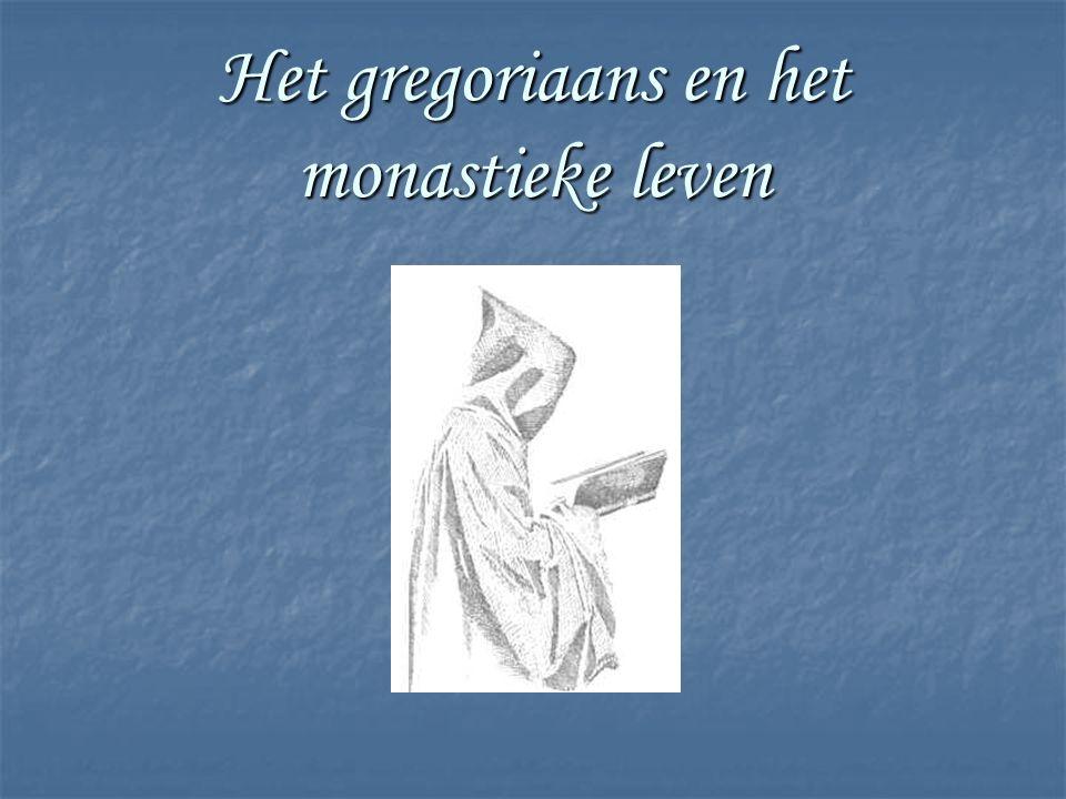 Het monastieke leven Mannen / vrouwen die in een gemeenschap hun leven wijden aan God in gebed en werk Geloften:- armoede - celibaat - gehoorzaamheid Gegroepeerd in verschillende ordes: - Norbertijnen- Trappisten - Franciscanen- Clarissen - Benedictijnen- Jezuïeten - …
