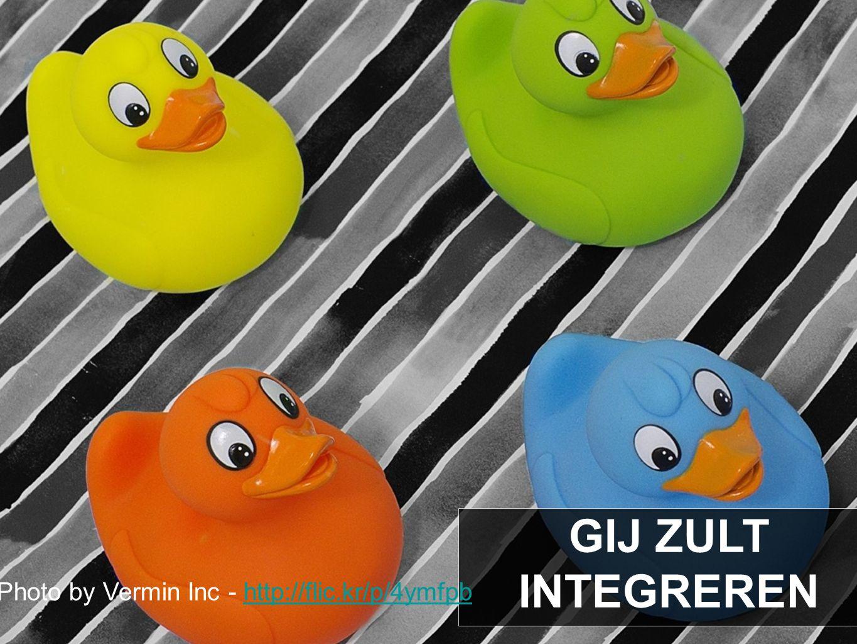 GIJ ZULT INTEGREREN Photo by Vermin Inc - http://flic.kr/p/4ymfpbhttp://flic.kr/p/4ymfpb