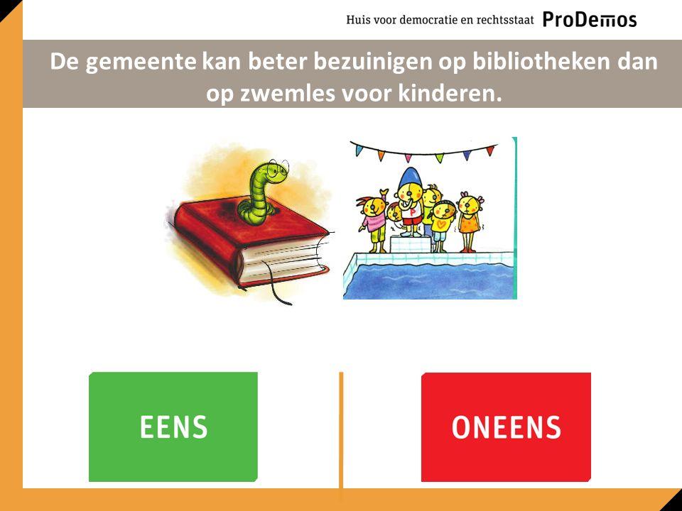 De gemeente kan beter bezuinigen op bibliotheken dan op zwemles voor kinderen.
