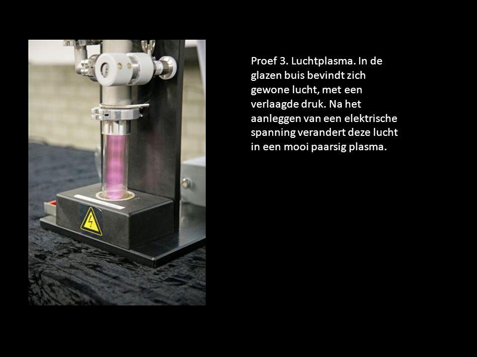 Proef 4.TL-buis op een microgolfzender.