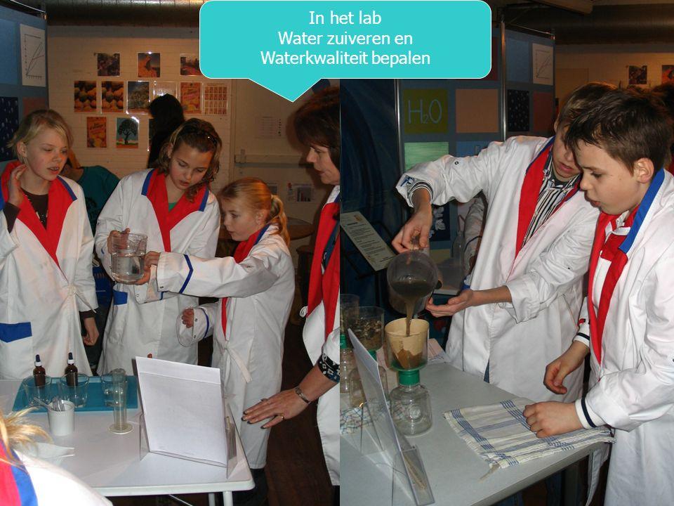 In het lab Water zuiveren en Waterkwaliteit bepalen