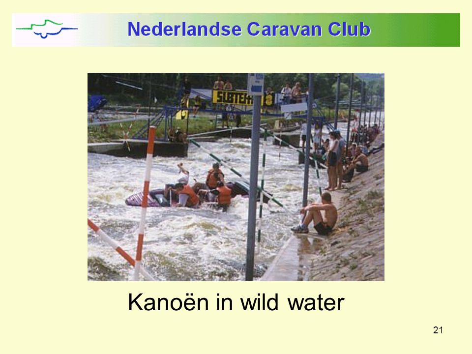 21 Kanoën in wild water