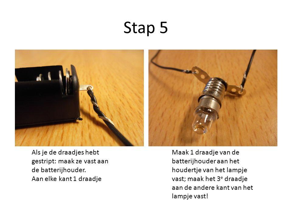 Stap 5 Als je de draadjes hebt gestript: maak ze vast aan de batterijhouder.