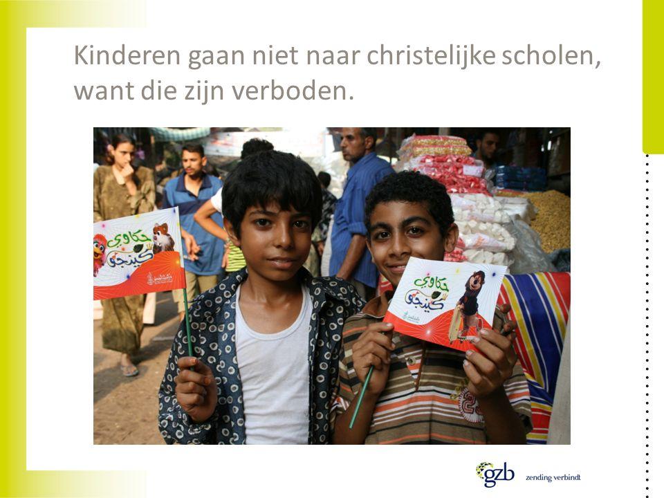 Kinderen gaan niet naar christelijke scholen, want die zijn verboden.