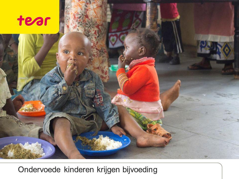 Ondervoede kinderen krijgen bijvoeding