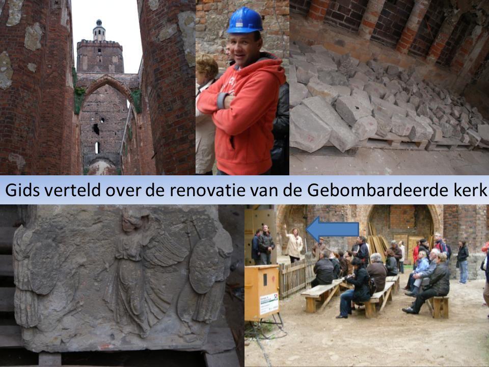 Gids verteld over de renovatie van de Gebombardeerde kerk
