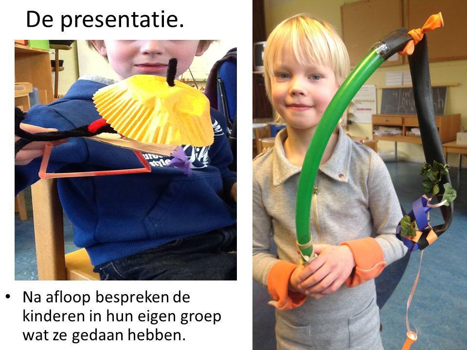 De presentatie. Na afloop bespreken de kinderen in hun eigen groep wat ze gedaan hebben.