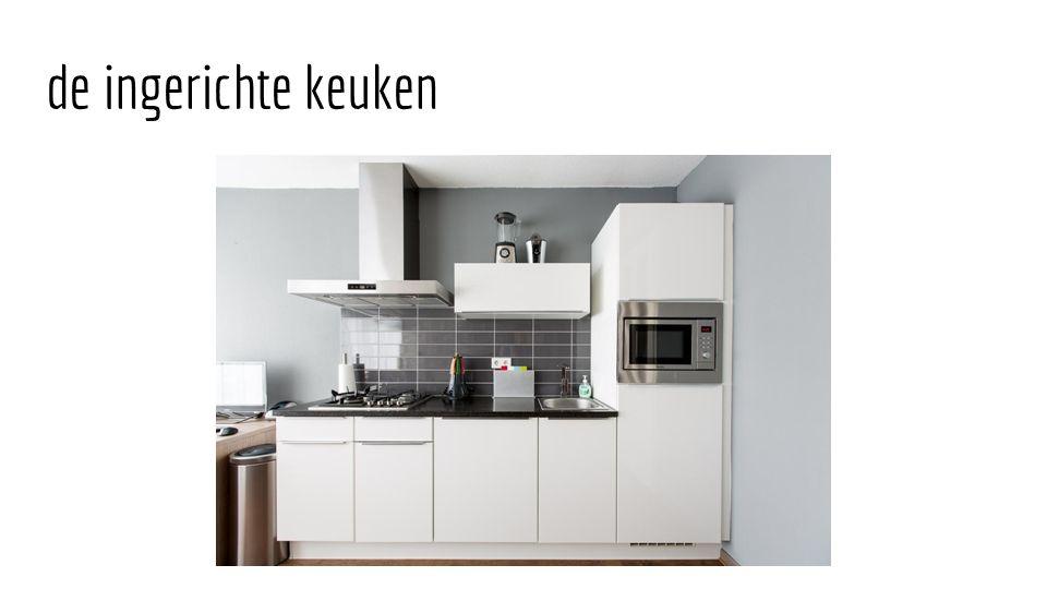 de ingerichte keuken