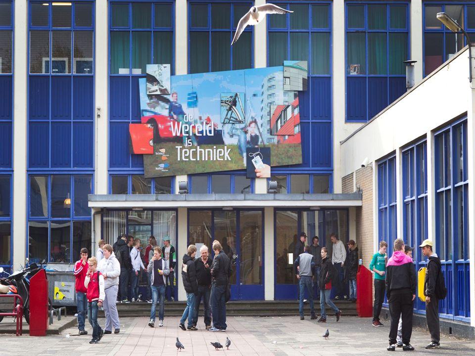 Introductie Een kleine, veilige school Een bijzondere school.