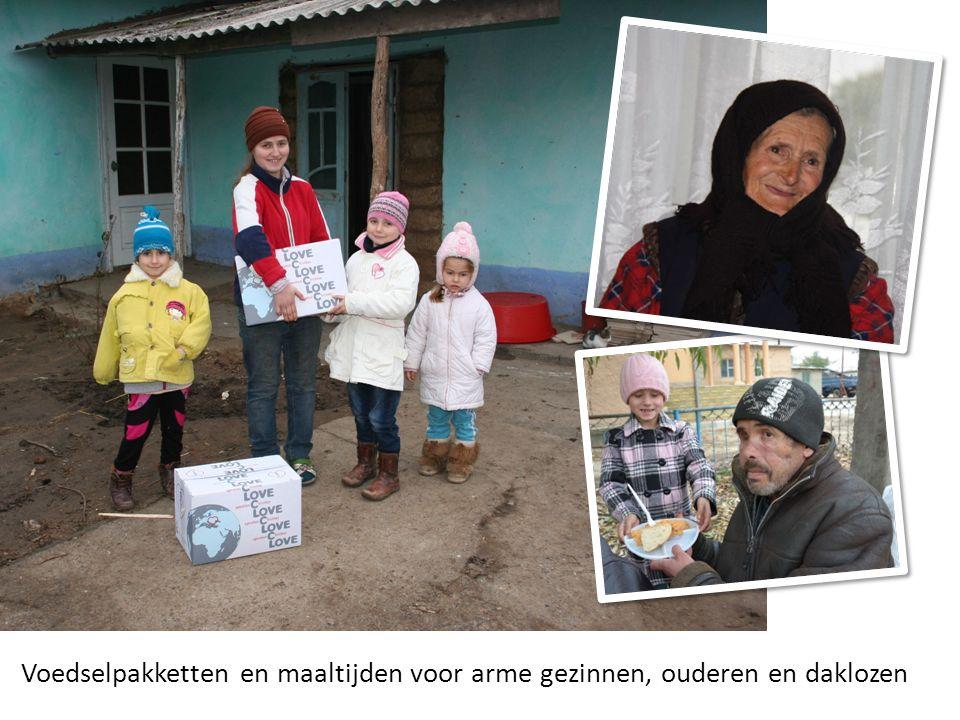 Voedselpakketten en maaltijden voor arme gezinnen, ouderen en daklozen