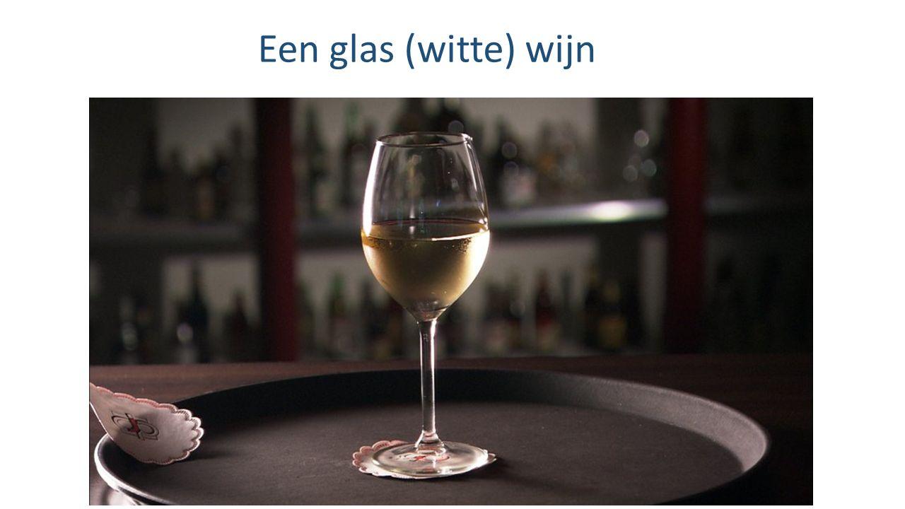 Een glas (witte) wijn
