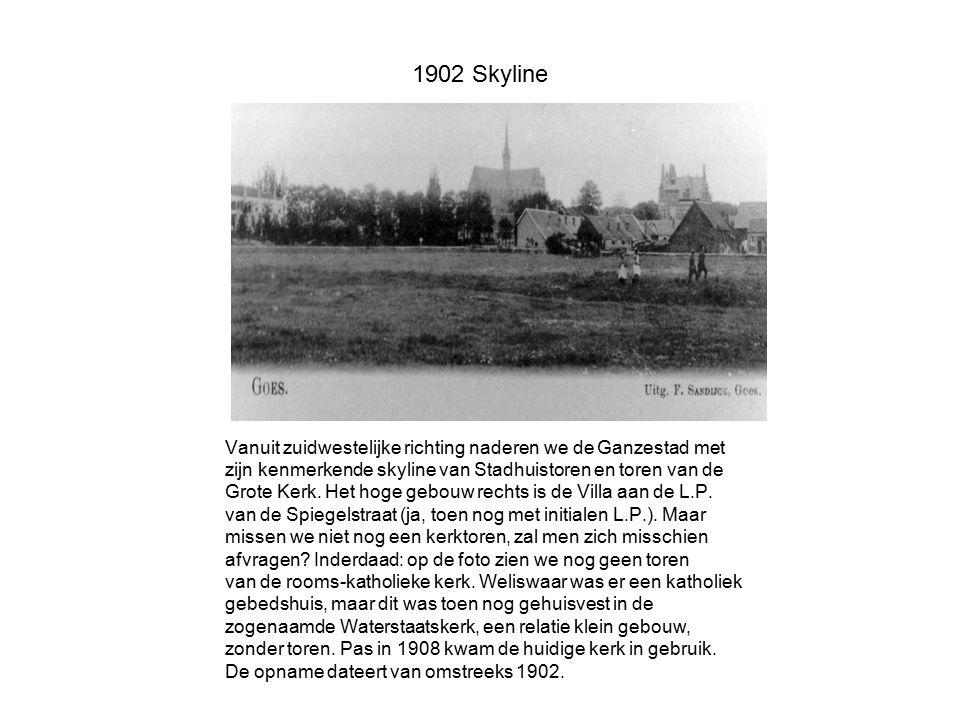 1902 Skyline Vanuit zuidwestelijke richting naderen we de Ganzestad met zijn kenmerkende skyline van Stadhuistoren en toren van de Grote Kerk. Het hog