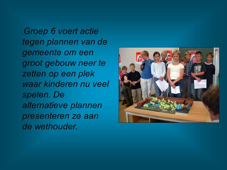 Groep 6 voert actie tegen plannen van de gemeente om een groot gebouw neer te zetten op een plek waar kinderen nu veel spelen.