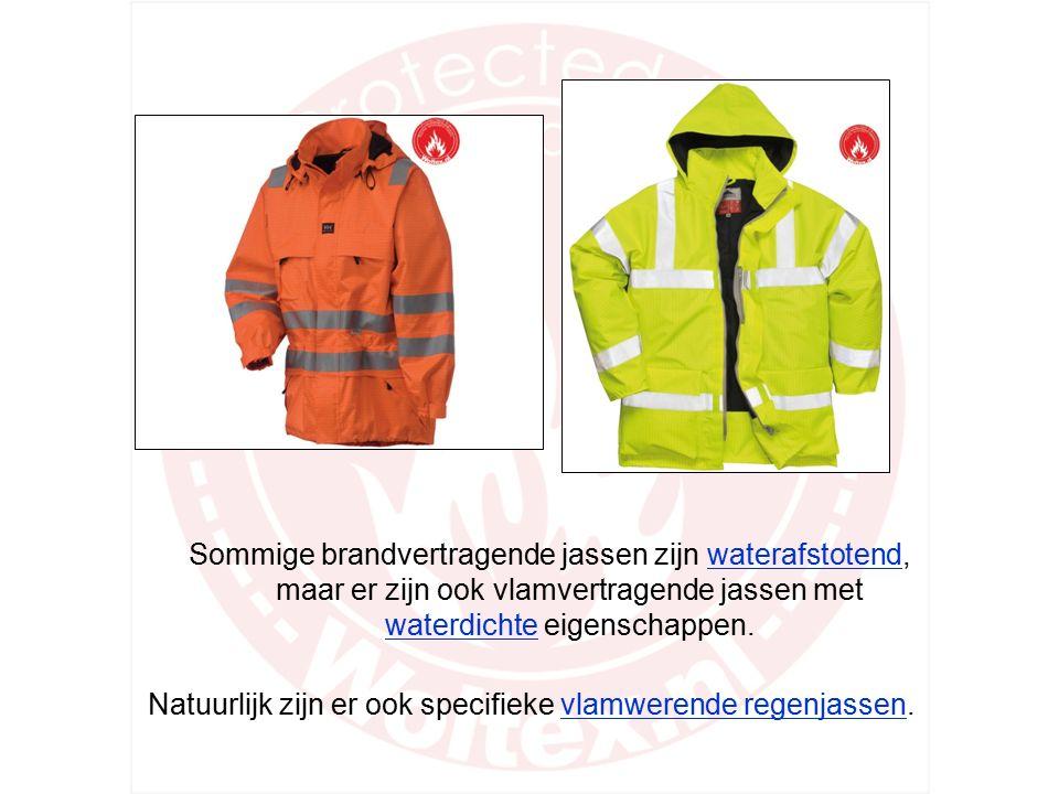 Vlamwerende jassen voor buiten hebben een gewatteerde binnenvoering of uitneembare wintervoering. De meeste vlamvertragende buitenjassen hebben een va
