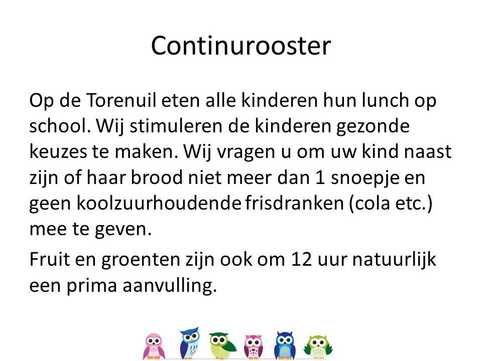 Continurooster Op de Torenuil eten alle kinderen hun lunch op school.