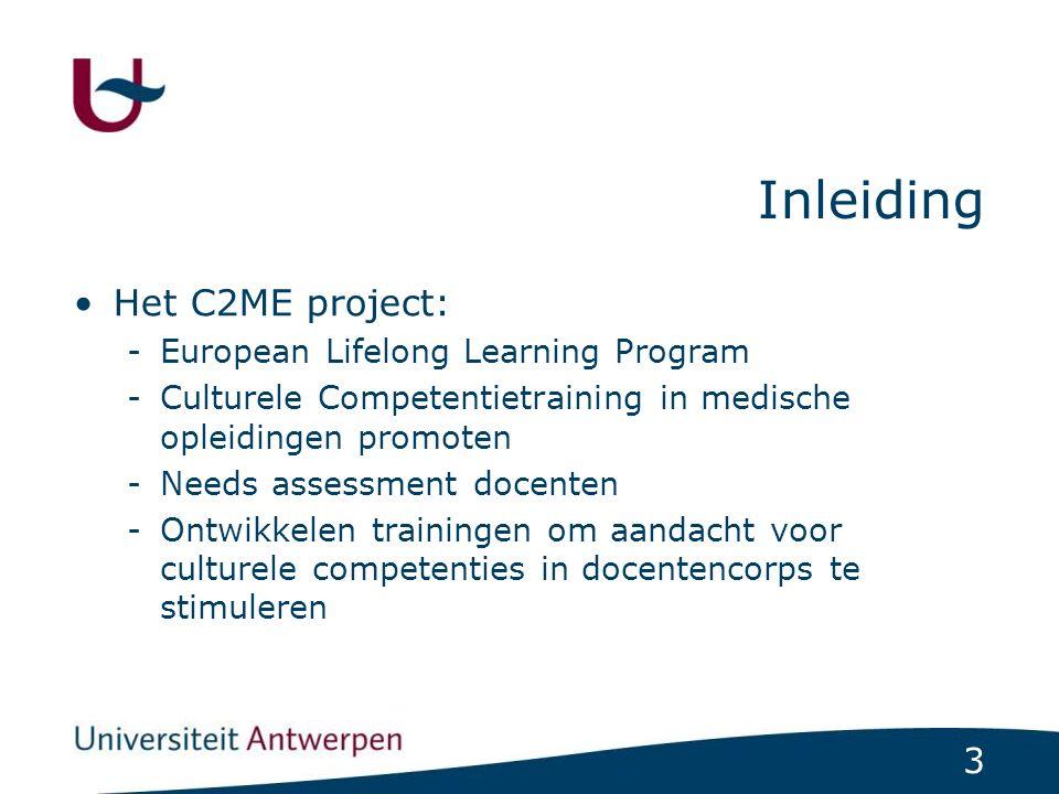 114 Cultureel competente hulpverlener Werken met tolken Tijdens het gesprek: 2.