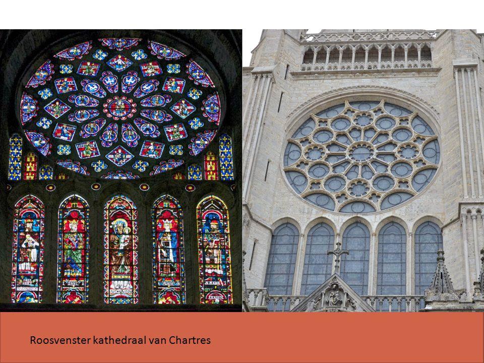 Roosvenster kathedraal van Chartres